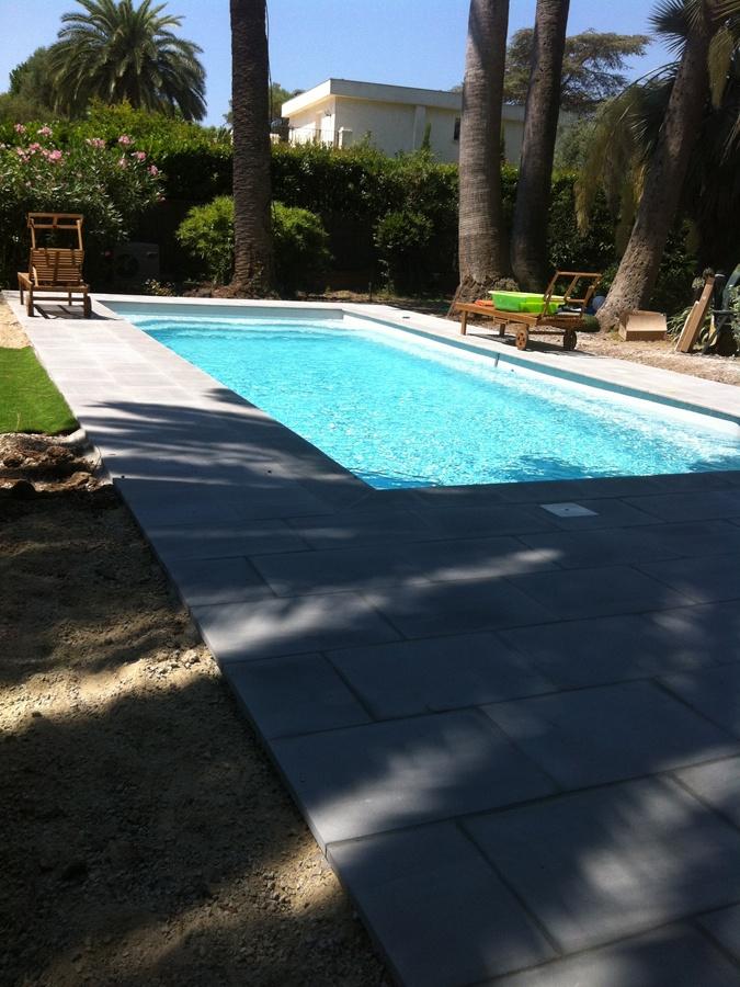 Aménagement d'une piscine coque par Stella Piscines