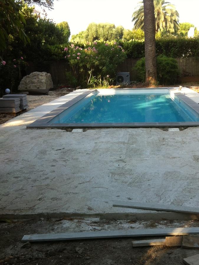 beziers, herault, installation piscine coque polyester