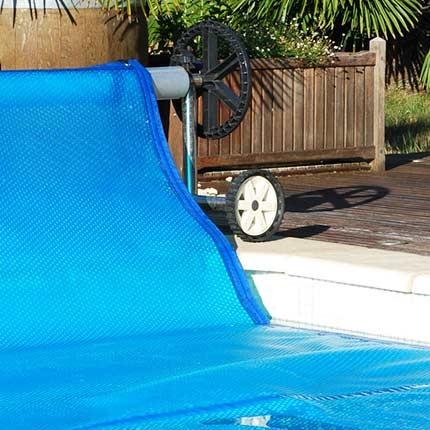chauffer votre piscine grace à une bache à bulles